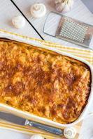 lasagne à la viande aux champignons, cuisine italienne photo