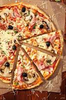 pizza à la viande photo