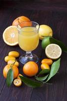 jus d'orange frais photo