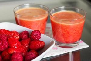 smoothie framboise, fraise et orange