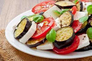 salade d'aubergines à la tomate et au fromage feta
