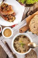 levain de soupe traditionnelle polonaise. photo