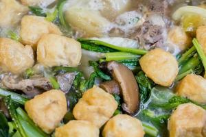 légumes avec soupe de tofu