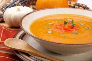 soupe de citrouille au poivron grillé photo