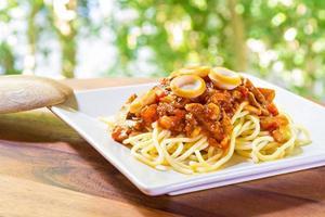 spaghetti à la sauce tomate et saucisse photo