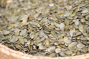 graines de citrouille sur le marché photo
