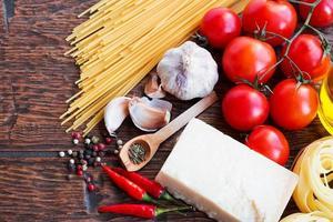 ingrédients crus des pâtes photo