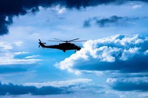 hélicoptère mi-24 photo