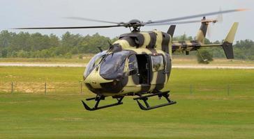 hélicoptère uh-72 lakota