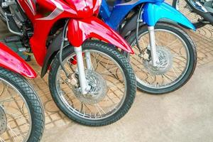 motos et roues de motocyclettes. photo