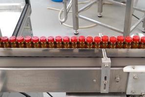 envasado de una fabrica farmaceutica photo