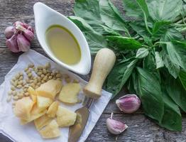 ingrédients pour pesto photo
