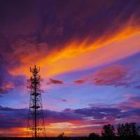 tour de télécommunication de silhouettes
