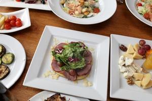 salades et légumes marinés