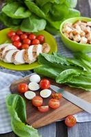 ingrédients de la salade César photo