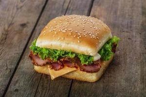sandwich carré avec jambon et fromage photo