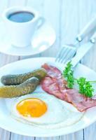 oeuf au plat avec bacon