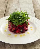 "salade traditionnelle russe ""vinaigrette"". photo"