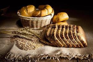 blé, maïs et pain photo