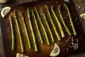 asperges vertes cuites maison photo