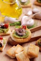 crostini aux anchois