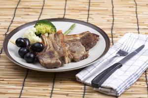 steak d'agneau photo