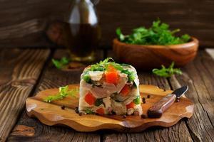 terrine de potofe de porc et de légumes. photo