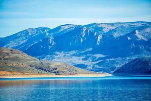Réservoir de Mesa bleu dans la forêt nationale de Gunnison au Colorado