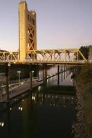 pont tour