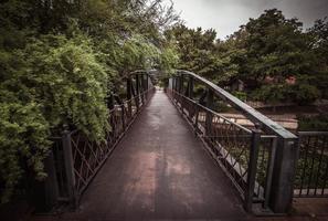 pont sur la rivière photo