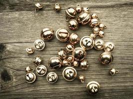 cloches sur bois photo