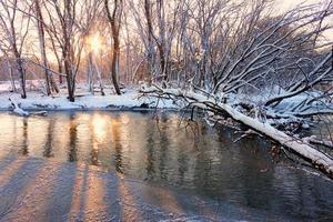 Coucher de soleil sur la rivière kishwaukee photo