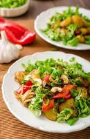 salade de pommes de terre d'été photo