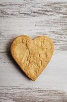 biscuits en forme de coeur pour la saint valentin photo