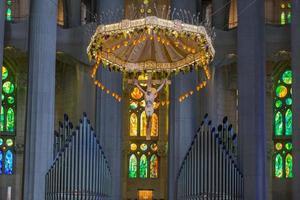 intérieur, la sagrada familia, barcelone