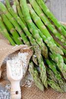 riz cru et asperges photo