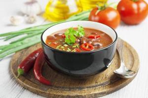 soupe au chili avec haricots rouges et verts photo