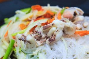 salade de vermicelles épicée