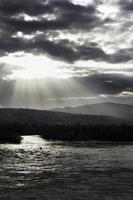 paysage avec pêcheur photo