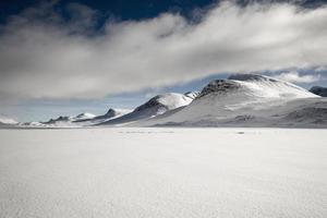 paysage d'hiver enneigé photo