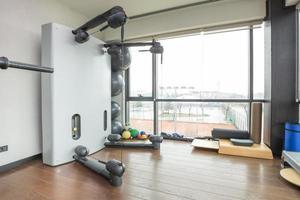 intérieur de la salle de gym photo
