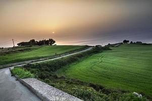 paysage coucher de soleil sur la Sicile.