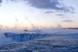 aube d'hiver à Horseshoe Falls photo