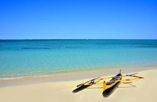 bateau sur la plage à anakao photo