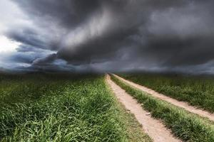 paysage spectaculaire avec une route rurale photo