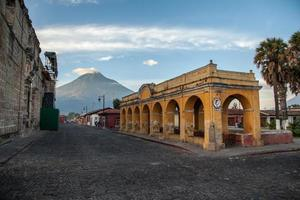 antigua aqueduc guatemala photo