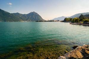 panorama du lac iseo photo