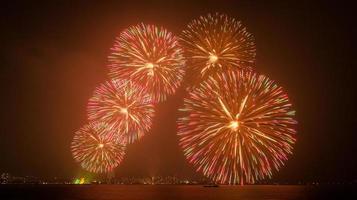 feux d'artifice japonais en été 2