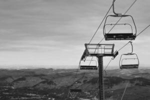 chaîne de montagnes du télésiège photo