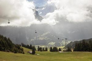 paysages de montagne autour de grindelwald, suisse photo
